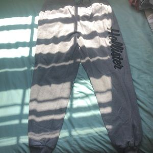 Hollister joggers